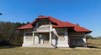 Dom z budynkiem gospodarczym – Przejma Wysoka w pobliżu jeziora Mały Szelment